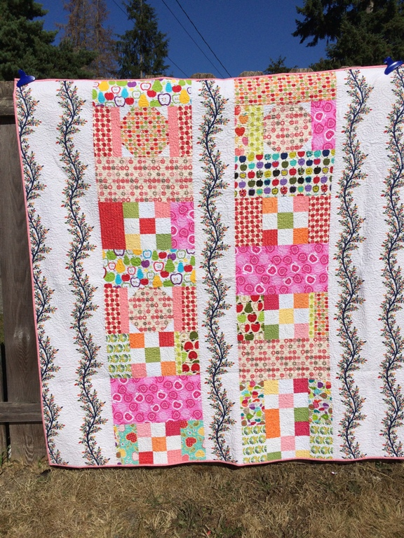 2 Apple Quilt Back 70x70